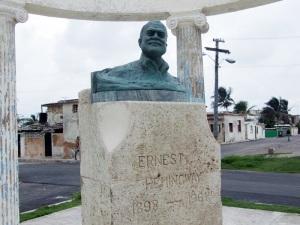 hemingway-monument